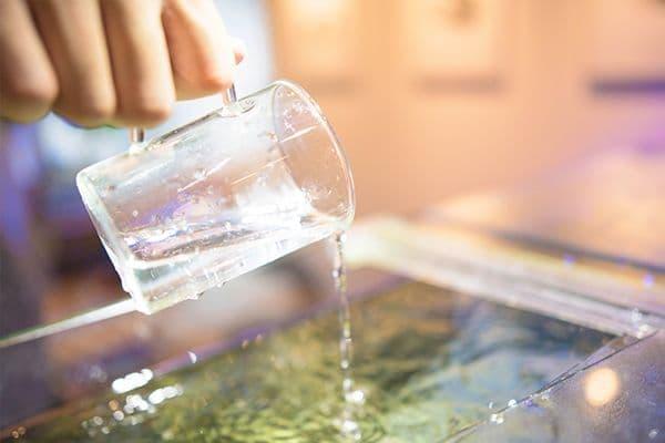 活魚水槽に水道水を追加